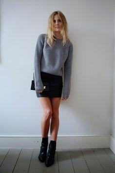 Petite fashion bloggers :: Fashion Me Now ::White Walling