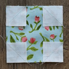 Sew Block Quilt Make This: Snowball Quilt Block Tutorial - It's back to quilt school time! This time of year always has us thinking of learning, so we thought it would be a great day for a quilt block tutorial. Our Diamond in Square Quilt Block Tut… I Spy Quilt, Quilt In A Day, Craft Patterns, Quilt Patterns, Sewing Patterns, Sewing Crafts, Sewing Projects, Sewing Ideas, Snowball Quilts