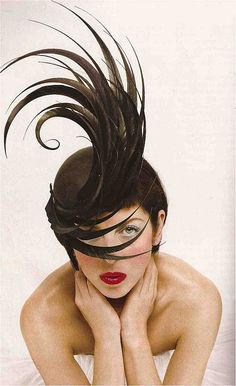 Isabella Blow, with hat by Philip Treacy