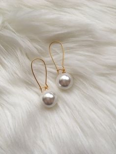 quality design a09b4 1e598 Hand Watch, Pearl Earrings, Pearl Studs, Beaded Earrings, Bead Earrings