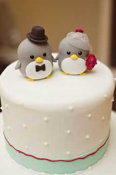 sweet bird wedding cake topper  Photo via Project Wedding