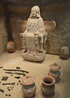 Iberia (pre-Roman Spain) Lady of Baza, Granada, Spain. Ancient Mysteries, Ancient Ruins, Ancient Artifacts, Ancient History, Art History, Ancient Goddesses, Roman Art, Iron Age, Ancient Civilizations