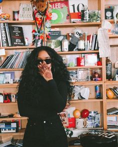 Discovered by ♕ИιιaHM♕. Find images and videos about girl, black and singer on We Heart It - the app to get lost in what you love. Black Girl Magic, Black Girls, Black Women, Her Wallpaper, Glittery Wallpaper, Tupac Wallpaper, Tupac Pictures, Selfies, Divine Feminine