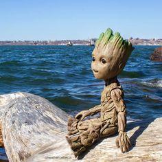 On the beach groot Flora Colossus, Marvel Avengers, Marvel Comics, Pikachu, Mundo Marvel, I Am Groot, Samurai Tattoo, Rocket Raccoon, Marvel Wallpaper
