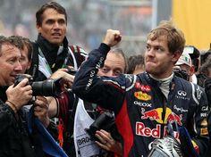 31   -   25-nov-12 - Premio BRASIL de Fórmula 1 no Autódromo de Interlagos (São Paulo): Vettel se tornou tricampeão mais jovem da história da Fórmula 1, mesmo tendo ficado em 6o. lugar hoje no GP Brasil. Foto: EFE.