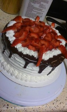 Cake with whip cream and strawberries #jsweetsntreats