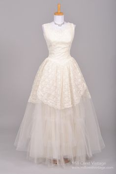 1950 Lace and Tulle Vintage Wedding Gown