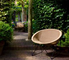 Feelgood Designs * C317 outdoor  ... in the back the Basket chair ...