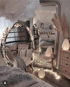 Cute Bedroom Decor, Bedroom Decor For Teen Girls, Girl Bedroom Designs, Stylish Bedroom, Room Ideas Bedroom, Bed Room, Bedroom Styles, Bedroom Inspo, Teen Bedrooms