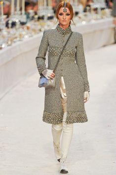 Chanel Pre-Fall 2012 Fashion Show - Audrey Marnay