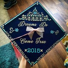 It's almost May, which means graduation season is around the corner. At many colleges and even some high schools, decorating your graduation cap or mortarboard has become a tradition for graduates. Check out these super cool graduation cap ideas. Disney Graduation Cap, Graduation 2016, Graduation Cap Designs, Graduation Cap Decoration, Nursing Graduation, High School Graduation, Graduate School, Graduation Gifts, Graduation Ideas