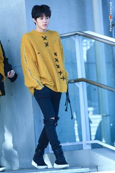 I need this sweater! Up10tion Wooshin, How To Speak Korean, My Prince, Kpop Fashion, Beautiful Boys, My Boyfriend, Boy Groups, Girl Group, Men Sweater