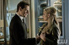 """""""What We Have is Worth the Pain"""" - Ioan Gruffudd as Andrew Martin and Sarah Michelle Gellar as Siobhan Martin/Bridget Kelly in Ringer on The CW. Photo: Michael Desmond/The CW ©2011 The CW Network. All Rights Reserved."""