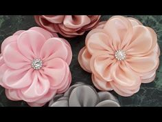Winter Hobby For Couples - Hobby For Men Indoor - - Felt Flowers, Diy Flowers, Fabric Flowers, Paper Flowers, Diy Hair Bows, Diy Bow, Silk Ribbon Embroidery, Fabric Ribbon, Ribbon Crafts