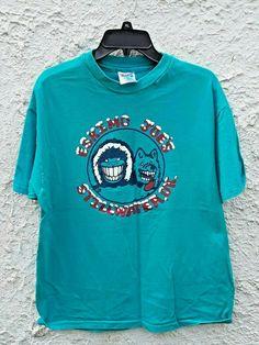 Vintage Eskimo Joes Stillwater OK Jumpin Little Juke Joint Shirt Large by Fchoicevintage on Etsy Eskimo Joe's, Graphic Sweatshirt, T Shirt, 90s Fashion, Oklahoma, Streetwear, Sweatshirts, Sweaters, Mens Tops
