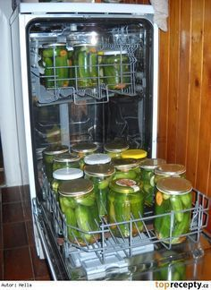 Canning in the dishwasher Home Recipes, Fall Recipes, Cooking Recipes, Cooking Tips, Cheap Vegan Meals, Slovak Recipes, Tomato Vegetable, Long Shelf, Green Tomatoes