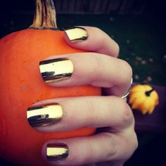 Gold #nails for fall