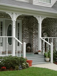 Durabrac Architectural components are manufactured from virgin cellular vinyl with U/V inhibitors. The LaSalle vinyl porch bracket is from the East Hill Collection. Front Porch Design, Screened In Porch, Porch Designs, Farmers Porch, Porch Brackets, Deck Railings, Porch Decorating, Pergola, Yard