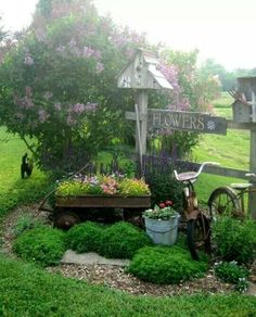 ♥Like the wagon and pail - idea for backyard.