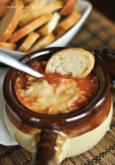 Lasagna Soup – This easy and delicious dinner recipe takes just 20 minutes to prepare!