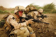 Soldiers today have much more modern equipment than in the past. Here are shown captain Eric Meador and his comrade on a mission in Helmand province, Afghanistan. Marsoc Marines, Us Marines, Navy Sailor, Army Soldier, Insurgent, American Soldiers, Modern Warfare, Military Art, Marine Corps