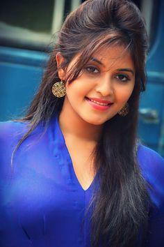 Close look of Anjali hot beauty in Blue ★ Desipixer ★ Beautiful Bollywood Actress, Most Beautiful Indian Actress, Indian Actress Pics, Tamil Actress, Indian Actresses, Beautiful Girl In India, Beautiful People, Hollywood Actress Photos, Muslim Beauty