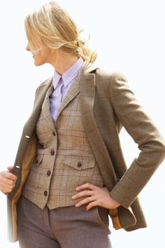 Incredible tailoring, British tweed, courtesy of The Really Wild clothing company Country Attire, Country Wear, Country Fashion, Country Outfits, Love Fashion, Preppy Look, Preppy Style, My Style, Tweed Waistcoat