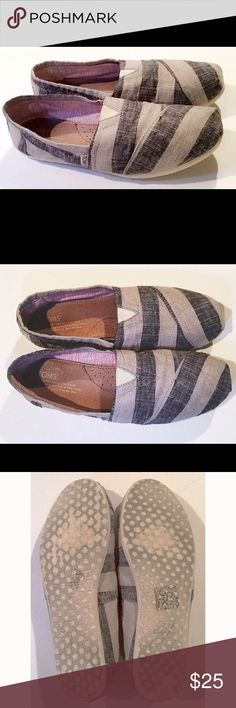 Toms! Size:7 Very gently worn. Only signs of wear are on rear of soles! Excellent condition! Don't forget to bundle to save 20% off your entire purchase!  TOMS Shoes Flats & Loafers