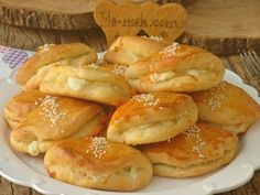 Salçalı Poğaça – Pratik yemekler – The Most Practical and Easy Recipes Cake Recipes, Snack Recipes, Turkish Kitchen, Food Vocabulary, Iftar, Turkish Recipes, Homemade Beauty Products, Snacks, Food Lists