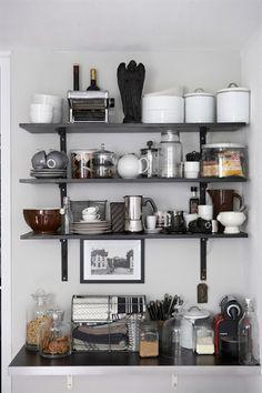 tiny kitchen organized clutter