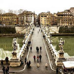 Ponte Sant'Angelo, Roma. Fotografia di @siestoalberto    #roma #ig_lazio #ig_roma #ig_italia #italia365 #rome #vis...