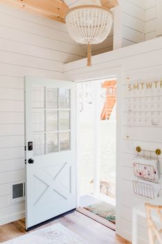 Shed Office, Shed Home Office Ideas, Tiny Office, House Ideas, Office Meeting, Meeting Rooms, Cool Office Space, Office Spaces, Solid Doors