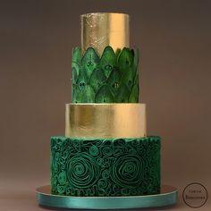 Gold and Emerald wedding cake