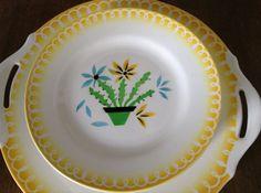 Charme de pays Français : Sarreguemines Vintage Dessert servant de plaque et huit plats correspondant, ferme, cuisine campagnarde, faïence, vaisselle