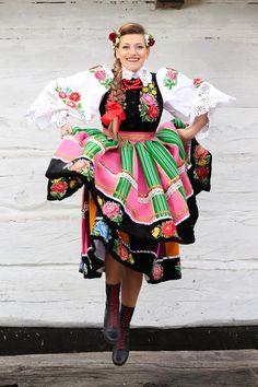 Beautiful Costumes, Beautiful Outfits, Poland Costume, Polish Clothing, Ethnic Outfits, Europe Fashion, Folk Costume, Historical Clothing, Ethnic Fashion