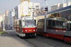 Prague Transport, November 2015, Mirror Image, How To Take Photos, Autumn, Sun, Happy, Fotografia, Fall Season