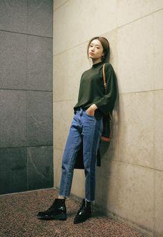 nyn-ja: rugged side paneled jeans                                                                                                                                                                                 Mehr