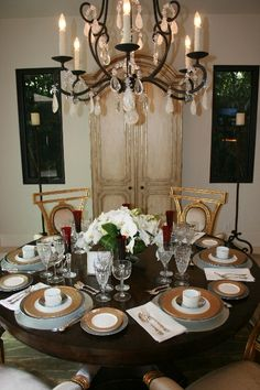 Villiers Dining Table & Lucien Arm Chairs by @ebanistacollect for the Newport Harbor Home & Garden Tour