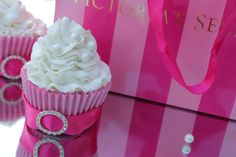 "Passion 4 baking ""Victoria Secret Style Cupcakes"