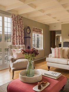 Luxury thatched cottage in Devon with hot tub is part of Cottage lounge - Country Cottage Living Room, Cottage Shabby Chic, Country Cottage Interiors, Living Room Red, Style Cottage Anglais, Salons Cottage, Country Lounge, Country Chic, Living Room Designs