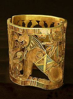 1460 BCE . Gold Bracelet. Seated Lion. for the first chief priest of Amun. openwork gold, cloisonné and glass insets. Egypt
