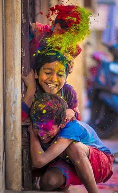 Holi is a very beautiful festival. Holi is Hindus fest that is related to religious story. According to astrologer Holi 2020 is very good for all. Holi is colourful fest. Holi Festival Of Colours, Holi Colors, Festivals Of India, Indian Festivals, Holi Festival India, Music Festivals, Happy Holi Wallpaper, Holi Pictures, Holi Photo