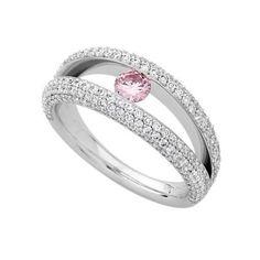 #Engagement ring with a pink diamond - MDTdesign. Visit www.modernwedding.com.au for more wedding ring inspiration.