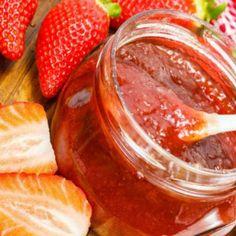 Receita de Geléia de Morango Light - 2 xícaras (chá) de morango, 1 colher (chá) de amido de milho, 1/2 xícara (café) de suco de limão, 1/2 xícara (chá) de a...