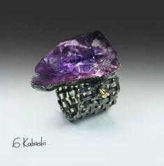 Rings as Art – the work of German Kabirski Purple Jewelry, Amethyst Jewelry, Crystal Jewelry, Gemstone Jewelry, Fantasy Jewelry, Jewelry Art, Jewelry Design, Unique Jewelry, Fashion Jewelry