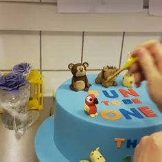 Fun;) #flottekager #københavnskage #copenhagencakes #zookage #zoocake #parrots #fødselsdagskage #københavn #copenhagen #bakemyday  www.bakemydaydk.com