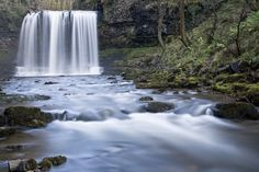 Waterfall pictures: how to find, set up and shoot moving water