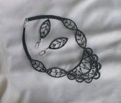Parure gothique en dentelle aux fuseaux noire et argent : Parure par pfenninger