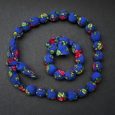 Collier et son bracelet en tissu bleu