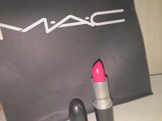. れのともえから 誕生日プレゼント 欲しかったから 超嬉しい!!ありがとう  #MAC #lip #pink by misk.ki